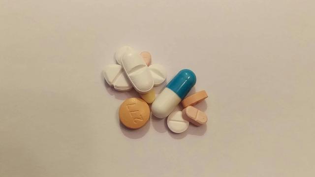 tabletky, prášky
