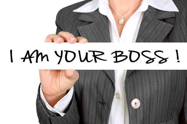 jsem tvůj šéf