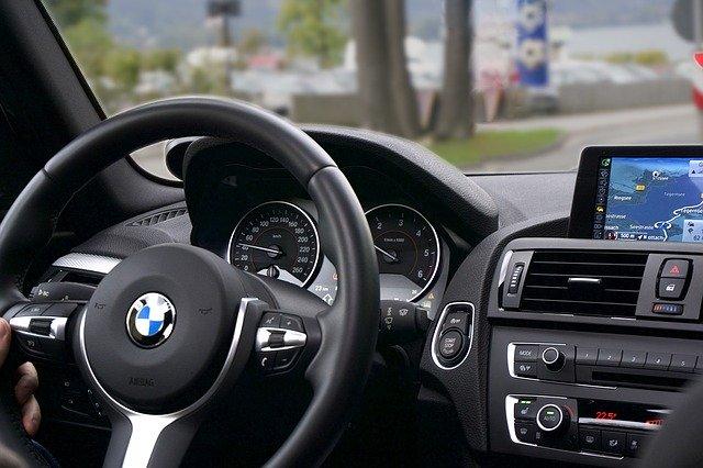 interiér moderního vozu